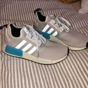 Adidas shoes size 7.0 women's